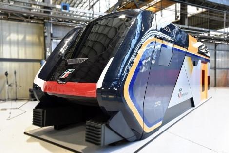 Innovazione su rotaia: ecco Rock, il nuovo treno regionale a due piani di Hitachi Rail Italy
