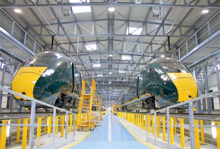 Pistoia, Hitachi Rail Italy: dallo stabilimento toscano esce il primo di 33 nuovi convogli per le ferrovie della Gran Bretagna