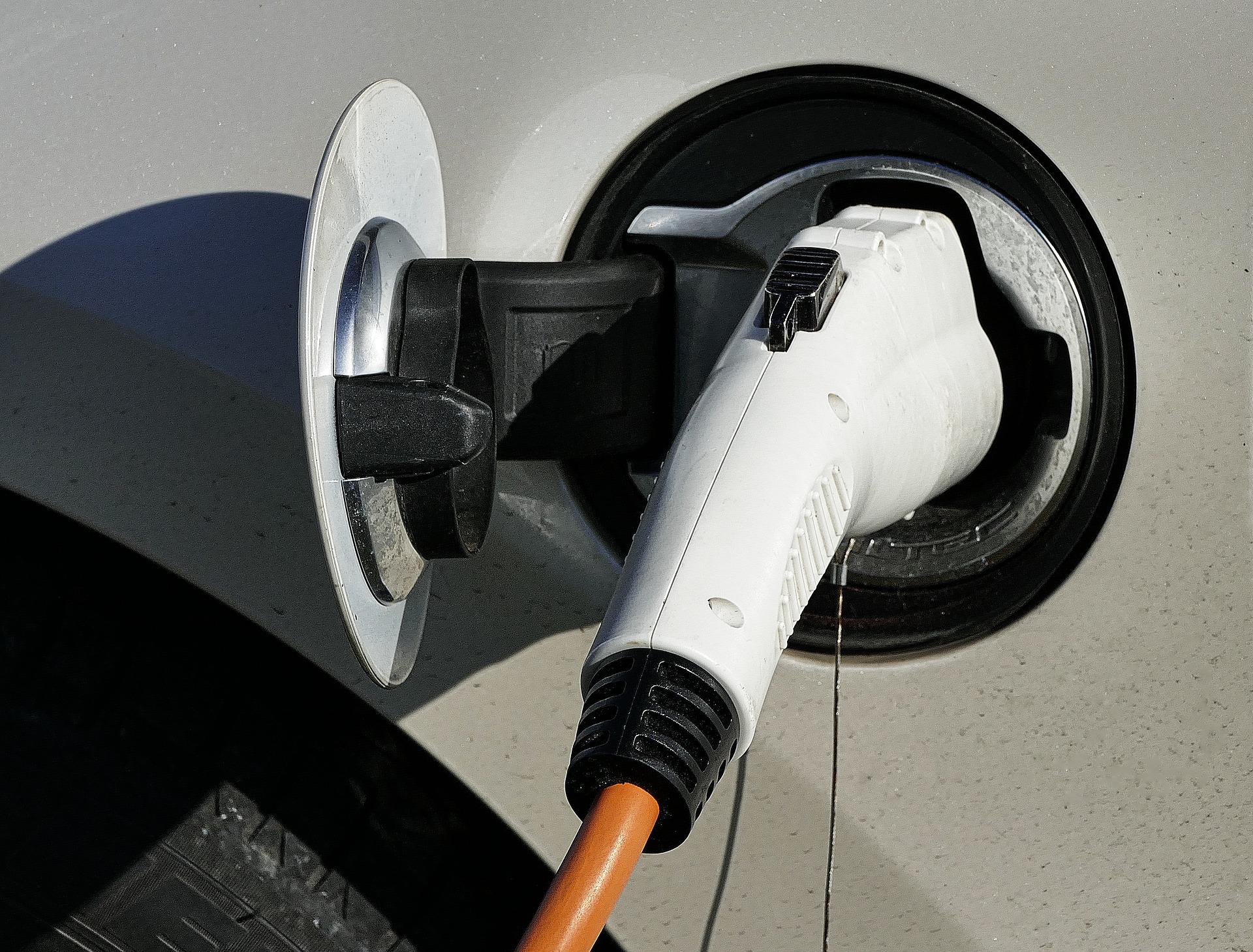 Auto elettriche, l'Italia tra i 7 paesi Ue deputati alla realizzazione di batterie di nuova generazione