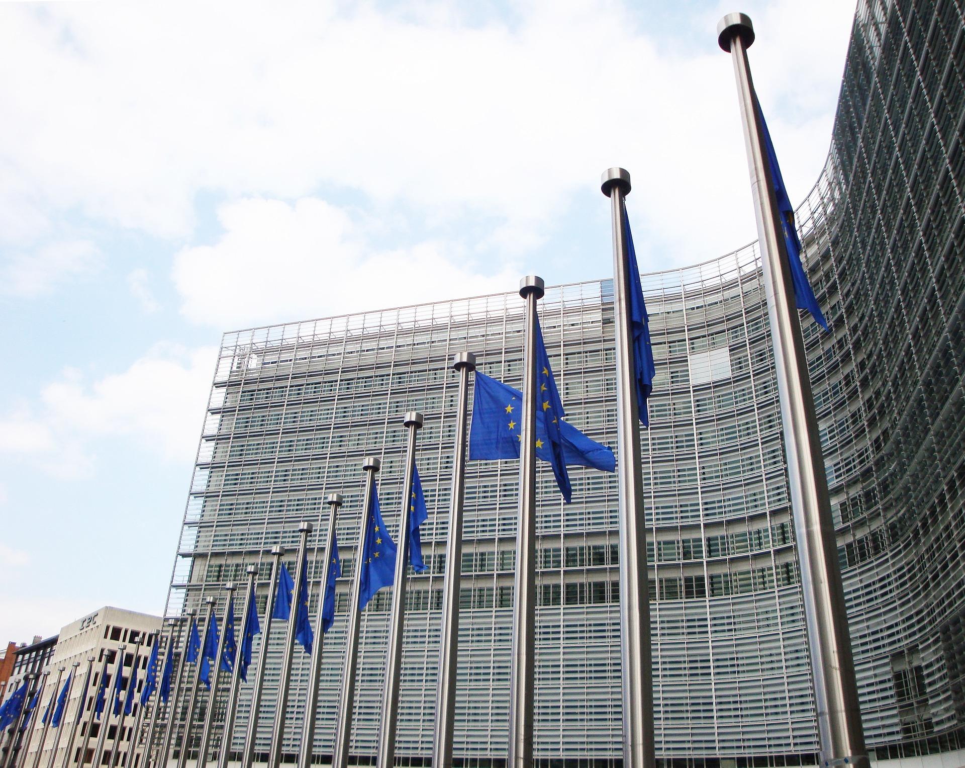 Trasporti internazionali Ue: Covid-19, proposte misure temporanee per certificati, licenze e autorizzazioni